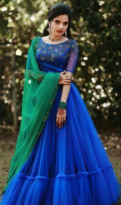 Long Skirt Top Designs, Long Skirt And Top, Long Dress Design, Half Saree Designs, Fancy Blouse Designs, Lehenga Designs, Kerala Engagement Dress, Engagement Dresses, Pink Princess