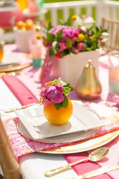 DIY Wedding Centerpieces, help id 8715682203 - A stunning collection on arrangements to make a really incredibly chic yet dazzling centerpiece. diy wedding centerpieces romantic ideas shared on this date 20190123 , Wedding Flower Arrangements, Floral Arrangements, Wedding Flowers, Diy Wedding, Unique Bridal Shower, Bridal Shower Gifts, Bridal Showers, Floral Rosa, Bubbly Bar