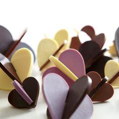 Szukasz pomysłu na Walentynki? Zajrzyj do Nas!! Romantyczna kolacja, ciasteczka w kształcie serduszek... i cała masa inspiracji na http://www.gadodo.pl/pozostale/walentynki