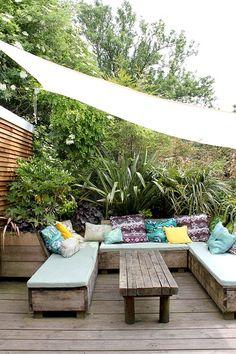 59 Super ideas for covered garden seating area decks Boho Furniture, Garden Spaces, Outdoor Decor, Garden Seating Area, Seating Area, Patio Furniture, Outdoor Living, Garden Design, Boho Garden