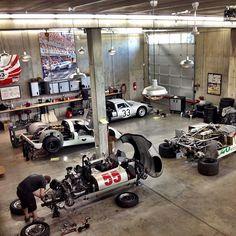 Porsche motorsport tech garage