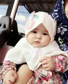 Love it Litle Boy, Cute Little Baby, Little Babies, Baby Love, Cute Babies, Cute Baby Girl Pictures, Baby Girl Images, Baby Photos, Beautiful Children