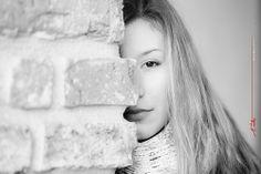 Maria in the morning light at the Bastion in Timisoara - cold shadow half-portrait / jumatate de portret cu umbra rece / hideg árnyék félportré Morning Light, Cities, Black And White, Portrait, People, Cold, Fashion, Black White, Blanco Y Negro