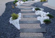 Cele mai inspirate 18 decoruri cu piatra de rau – Idei pentru gradina ta