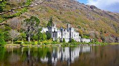 Les paysages et jardins du Connemara se distinguent comme certains des endroits les plus touristiques d'Irlande.