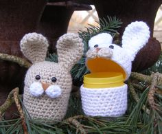Halager: DIY - surprise eggs with rabbits Crochet Diy, Crochet Amigurumi, Easter Crochet, Amigurumi Patterns, Crochet Patterns, Loom Knitting, Beautiful Crochet, Crochet Projects, Diy And Crafts