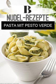 Leichte Küche: Pasta-Gerichte - so leicht, so lecker. Pasta mit Pesto schmeckt an sich schon toll. Hier sorgen gedünstete Paprikastückchen für noch mehr Biss – und verschlanken gleichzeitig die Kalorienbilanz des Gerichts. Zum Rezept: Pasta mit Pesto Verde.