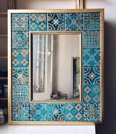 Home decor furniture - Happy Friday Bohemians🌈This mirror by ropalo is just wow😍💙 Mirror Mosaic, Mosaic Diy, Mirror Tiles, Home Decor Furniture, Diy Home Decor, Diy Vintage, Tile Crafts, Bohemian Decor, Ceramic Art