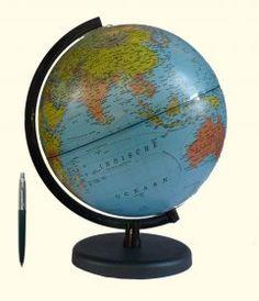 Wereldbol met verlichting 20 cm. Wereldbol met gedetailleerde ...