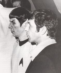 Leonard Nimoy poses for a photo with his wax doppelganger in the 1970s.