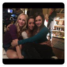 Nina Dobrev publica en su Instagram una emotiva foto con la cara empapada de lágrimas no apta para los corazones sensibles que lloran su salida de The Vampire Diaries