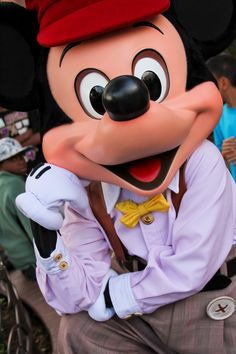 Disney California Adventure Park, Daisy Duck, House Mouse, Park Photos, Epcot, Disneyland, Mickey Mouse, Disney Characters, Amanda