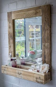 Pallet Ideas Pallet Wood Mirror Frame with Storage - Reclaimed wood, galvanized metal, rough stone and cast iron are all part of rustic bathroom decor ideas. See the best designs and try them at home! Rustic Bathroom Designs, Home Decor Items, Diy Furniture, Rustic Bathroom Mirrors, Rustic Bathroom Decor, Bathroom Mirror With Shelf, Home Decor, Pallet Furniture, Rustic House