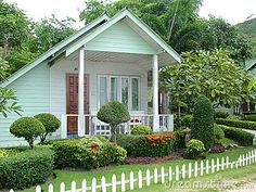 A Small Holiday Cottage with garden.. oh my gosh.. I so love this..