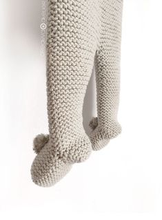 Polaina de punto NUR - Tutorial y Patrón - - Bebe - Easy Baby Knitting Patterns, Baby Sweater Knitting Pattern, Baby Leggings Pattern, Knit Leggings, Crochet Elephant Pattern, Baby Kimono, Baby Girl Dress Patterns, Knitted Booties, Kimono Pattern