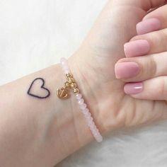 small heart tattoo … – tattoos for women small Love Heart Tattoo, Little Heart Tattoos, Heart Tattoo Designs, Pretty Tattoos, Love Tattoos, Body Art Tattoos, Tatoos, Stomach Tattoos, Herz Tattoo Klein