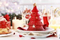 Paramétrage De La Table De Noël Avec Des Fruits Frais Banque D'Images, Photos, Illustrations Libre De Droits. Image 8334239.