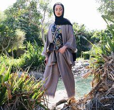 Leena alghouti Abaya Fashion, Muslim Fashion, Modest Fashion, Unique Fashion, Love Fashion, Girl Fashion, Casual Hijab Outfit, Hijab Chic, Modest Outfits