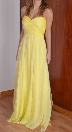 a513560690ea8 65 meilleures images du tableau robes jaune   Yellow dress, Robes et ...