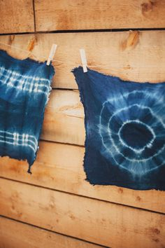 Peace, love and tie dye: http://www.stylemepretty.com/living/2015/06/29/party-food-and-diys-for-your-fourth-of-july-bash/