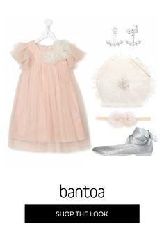 Total look da cerimonia per la damigella che ruberà la scena alla sposa. Tulle rosa e bianco come una nuvola soffice conquisterà gli invitati. Tulle, Girls Dresses, Flower Girl Dresses, Wedding Dresses, Skirts, Outfits, Fashion, Pink, Bridal Gowns
