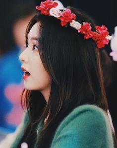 #redvelvet #irene Kpop Girl Groups, Kpop Girls, Red Velvet Photoshoot, Red Velet, Prity Girl, Red Velvet Irene, Girl Day, Pink Sweater, Angora Sweater