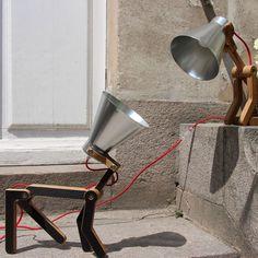 """Le chien : """"sous-espèce domestique de Canis lupus, mammifère de la famille des Canidés"""" et vraie source d'inspiration pour certainsdesigners.... Vousvous dites forcément qu'il s'agira d'un lumina..."""