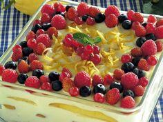 Ricetta Tiramisù delicato al limone con frutti di bosco | Donna Moderna