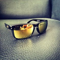 6d99c87902 Oakley holbrook - shawn white edition