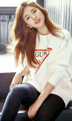 Suzy (수지) - Picture @ HanCinema :: The Korean Movie and Drama Database Bae Suzy, Beautiful Girl Photo, Beautiful Asian Girls, Beautiful Beautiful, Teenager Fashion Trends, Miss A Suzy, Sheila, Korean Celebrities, Korean Model