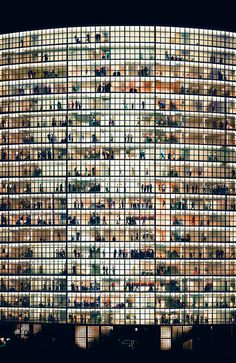 photo by Andreas Gursky  http://everyday-i-show.livejournal.com/181369.html#cutid1