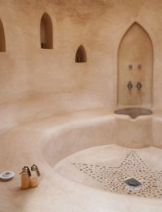 Villa Anouk Essaouira, the ultimate Beldichic Saunas, Spa Hammam, Earth Bag Homes, Earthship Home, Mud House, Tadelakt, Bathroom Interior Design, Mexican Interior Design, Steam Room