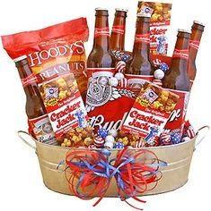 DIY gift baskets for men Gift Baskets For Him, Wine Gift Baskets, Basket Gift, Ideas Sorpresa, Beer Basket, Man Basket, Man Crates, Alcohol Gifts, Raffle Baskets