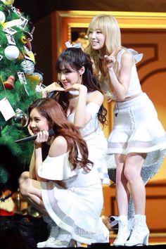 151203 SNSD TaeTiSeo X - Mas Special: 'DEAR SANTA' showcase SNSD TTS