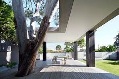 6 Hopetoun Avenue by B.E Architecture Posted by Erin on August 6th, 2014 B.E Architecture have recently completed the renovation and extension of a period home in Vaucluse, a suburb of Sydney, Australia.