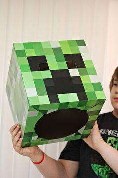 Minecraft Creeper Mask for Comic-Con Minecraft Halloween Costume, Creeper Costume, Minecraft Costumes, Halloween Crafts, Minecraft Mask, Minecraft Crafts, Minecraft Houses, Comic Con Costumes, Boy Costumes