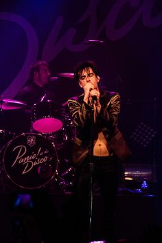 Brendon Urie of Panic! At The Disco, live @ Melkweg, Amsterdam 26-05-2016  photo by loveoflivemusic
