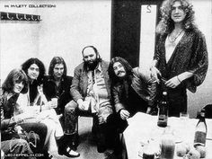 Paris 1973 (backstage). They are in France ! Cocorico!!!