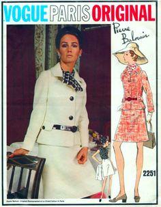 Vintage VOGUE Paris Original Sewing Pattern 2251 by Pierre Balmain - Two Piece Suit and Blouse