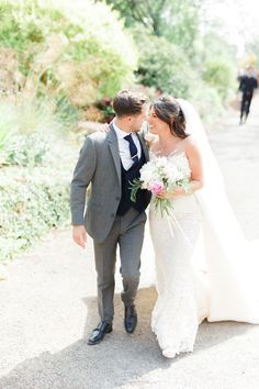 Escaping the hustle and bustle of London life, Francesca Montaut and Jack Hayward's wedding day in the Cotswolds was a relaxed and idyllic affair London Life, Hyde, Big Day, Affair, Real Life, Wedding Day, Weddings, Wedding Dresses, Flowers