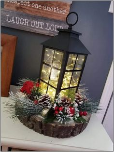 29 Inspiring ideas for rustic Christmas lanterns for your porch decoration: Page 16 of Creative Vision Design – christmas decorations Farmhouse Christmas Decor, Rustic Christmas, Christmas Home, Christmas Holidays, Christmas Wreaths, Holiday Decor, Christmas Arrangements, Christmas Centerpieces, Xmas Decorations