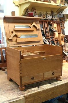 Mahogany tool chest woodworking class   Woodworking workshop