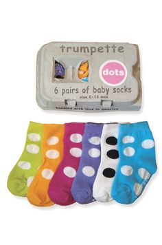 "Baby Sock Game (Materials: 14 pairs of baby socks that can be given to the mommy to be after the game, timer). Take the 14 pairs of new baby socks of different styles and colors and mix them up. Next, start and timer and tossed them in the middle of the floor, each guest has 1 minute to try and ""match"" as many socks as they can. A very fun baby shower game. Fun Ideas, Creative Ideas, Party Ideas, Fun Baby Shower Games, Baby Shower Gifts, Hello Kitty Baby Shower, Baby Socks, Tossed, Baby Showers"