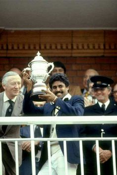 Viv Richards, Famous Golfers, Kapil Dev, World Cup Trophy, Cricket In India, India Win, Man Of The Match, Get Running