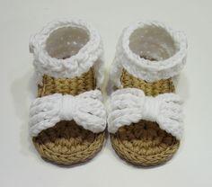 Sandalias de niña a crochet 0-3 meses de Al Solecito por DaWanda.com