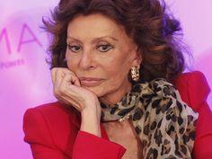 Sophia Loren marquée par la chirurgie esthétique : après Cannes, elle choque…