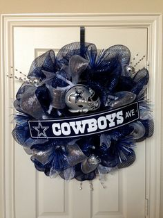 Hey, I found this really awesome Etsy listing at http://www.etsy.com/listing/163302789/dallas-cowboys-wreath