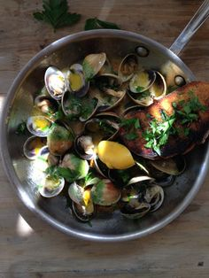 Garlic Tomato Clams by ciaoflorentina #Clams #Garlic #Tomato #Lemon #Healthy