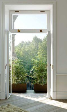 Bambu på balkongen  Karlavägen 76 (Oscar properties) – Husligheter.se