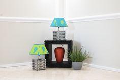 Coppia di lampade Cubo in ferro con paralume a contrasto by Tweak design